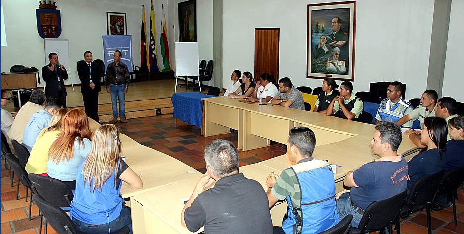 Personal de alcaldía de San Cristóbal se capacita sobre gestión de riesgo