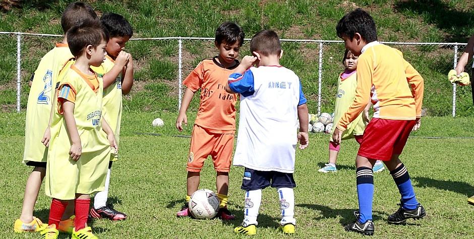 Intercambio deportivo entre los futuros del balompié tachirense