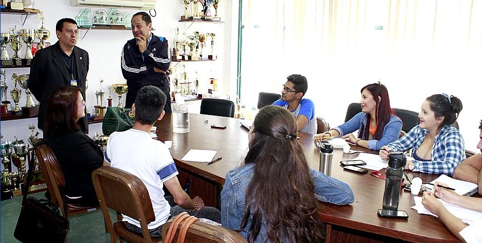 Intercambio de experiencias con estudiantes de comunicación social
