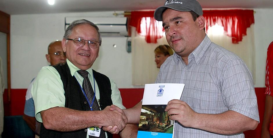 Autoridades de la UNET y municipio Ayacucho firmaron convenio