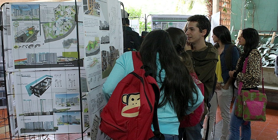 Diseños residenciales de alto nivel presentaron alumnos de arquitectura